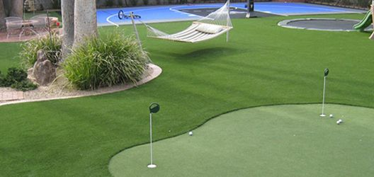 Nexcourt Putting Green